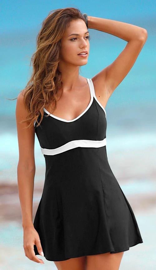 Jednodielne plavky so sukničkou pre väčšie zadok