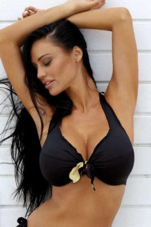Dámska plavková podprsenka vhodná pre veľké prsia